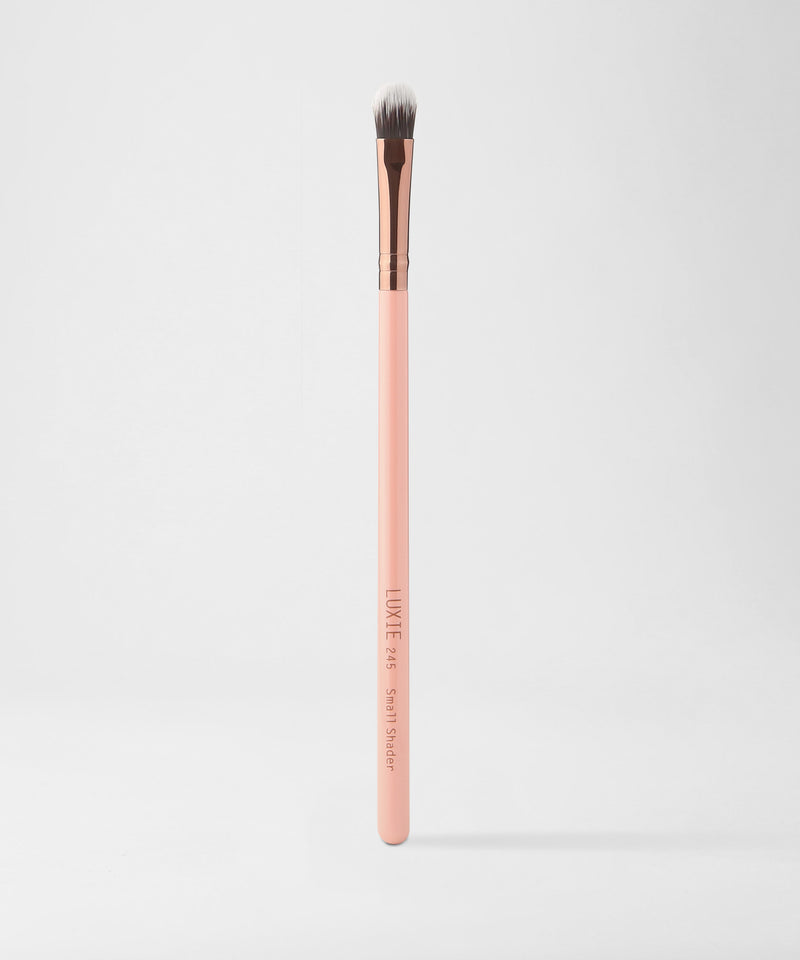 Luxie – 245 Small Shader Brush – Rose Gold