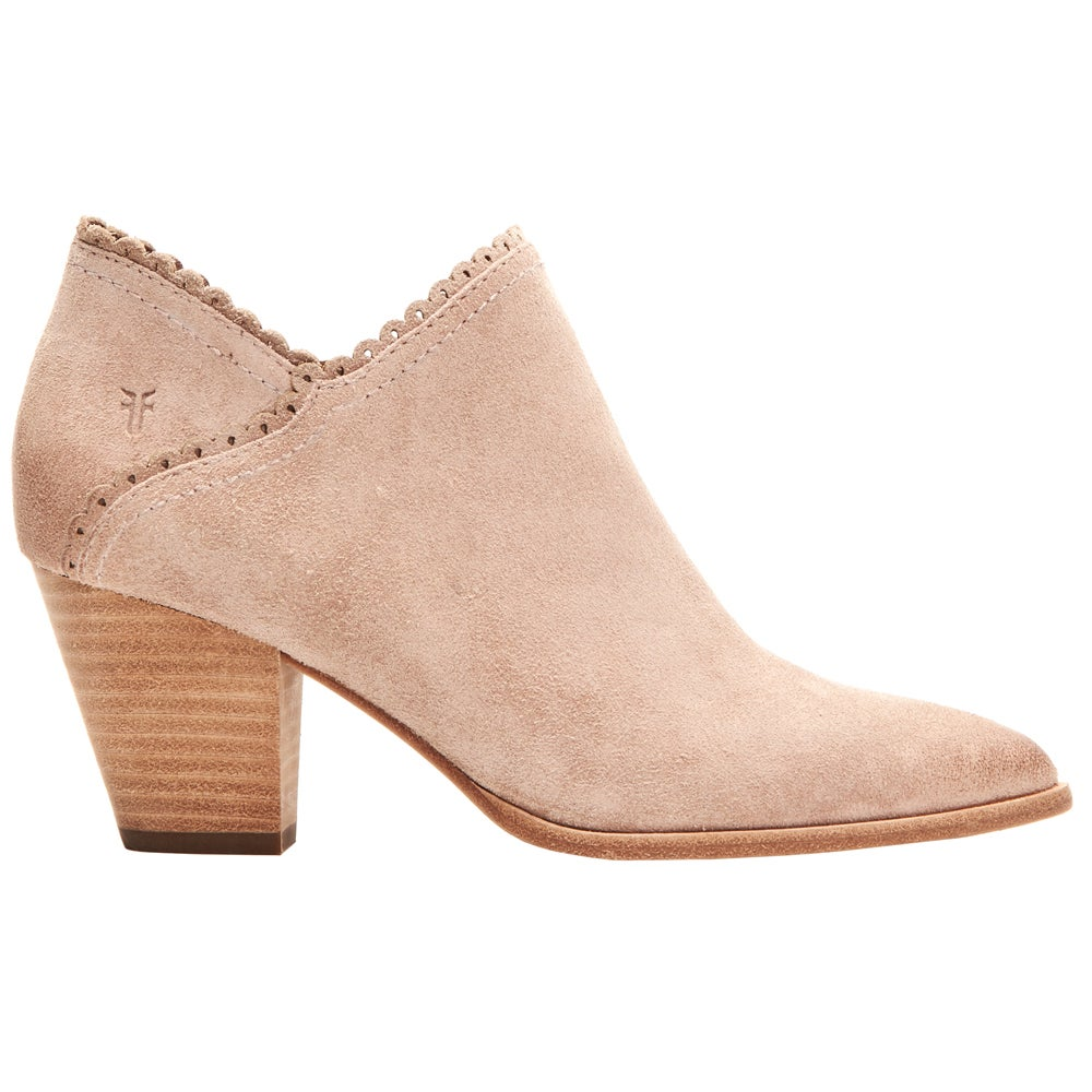 SHOEBACCA – Frye Reed Scallop Pointed Toe Pumps