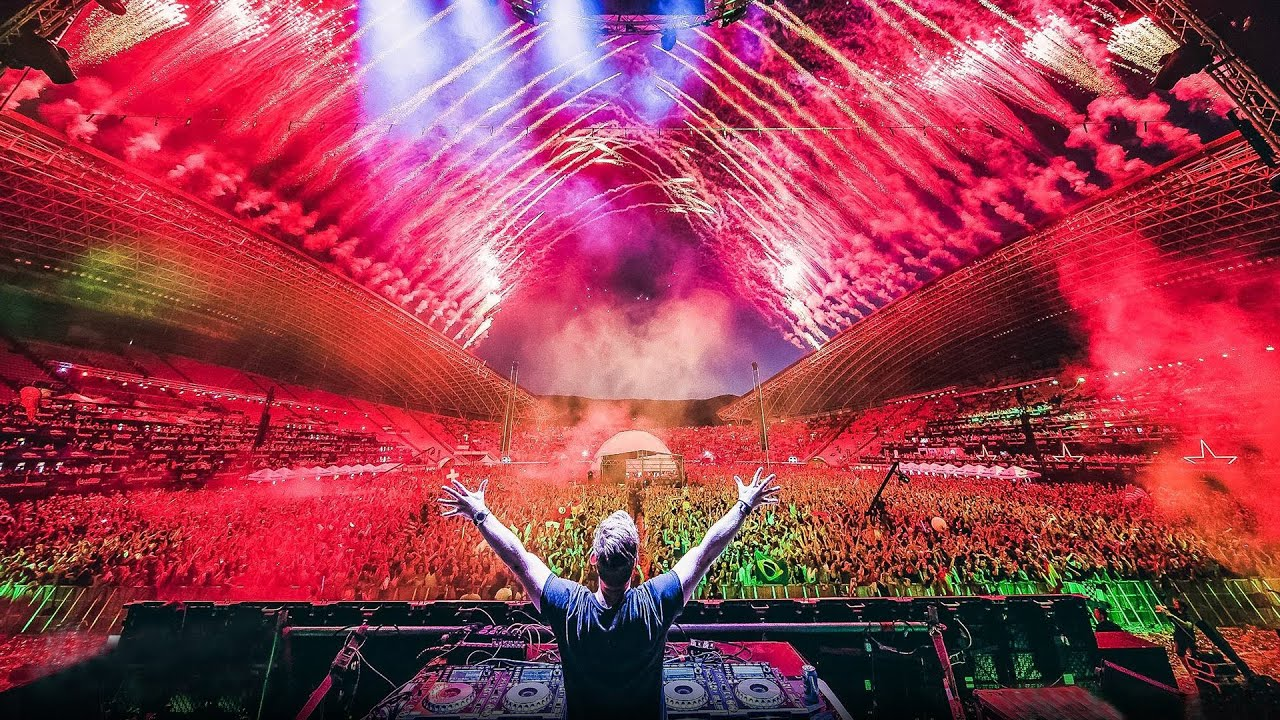 Hardwell live at Ultra Europe 2016