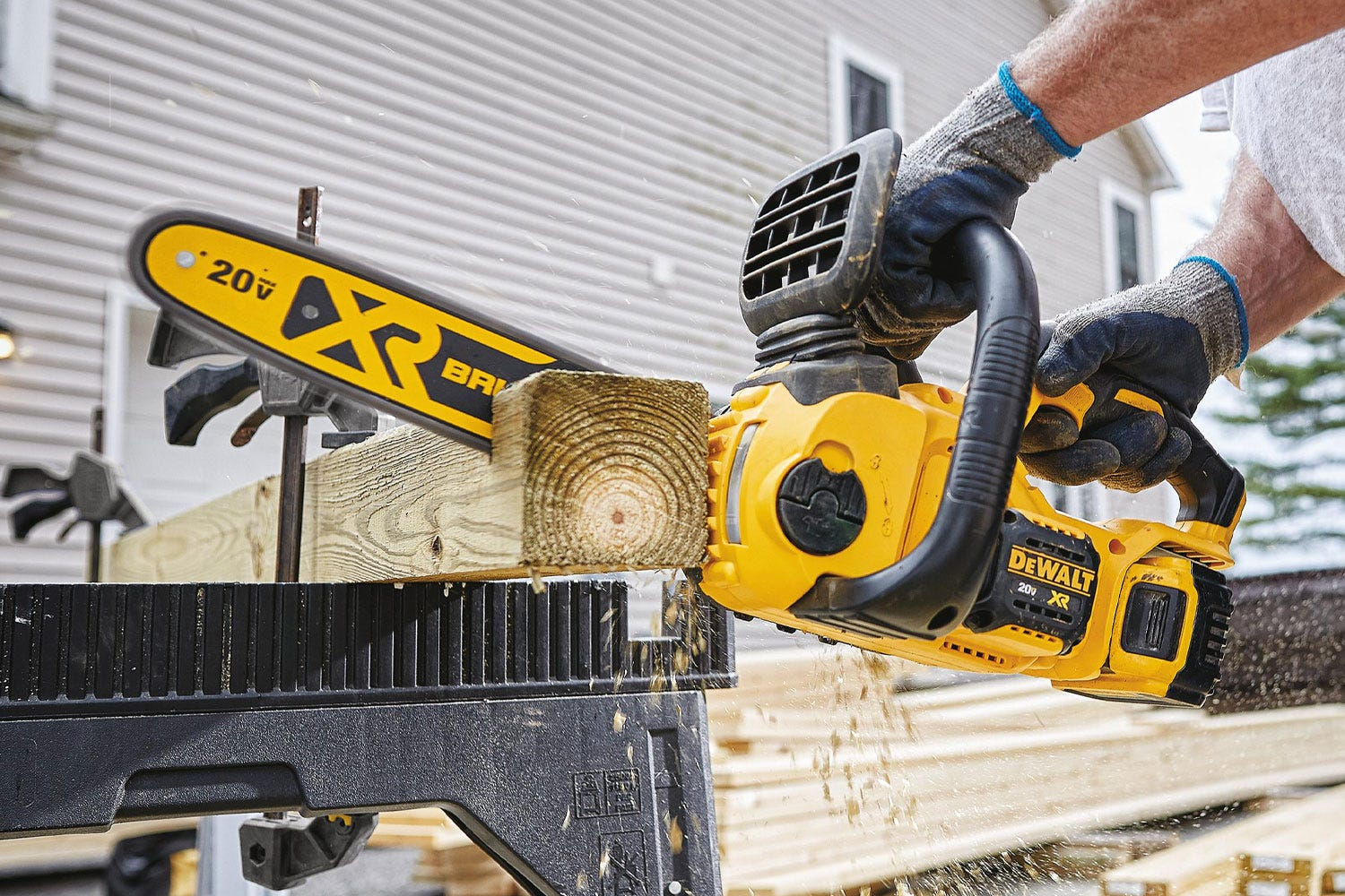 The Tool Nut – DeWalt DCCS620B 20V Max Compact 12″ Cordless Brushless Chainsaw, Tool Only